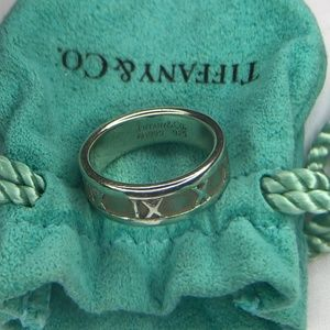 Vintage 1995 Tiffany Roman Numerals Atlas Ring 6.5